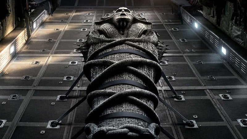 Tom Cruise Assures You Mummies Are Real In The First Footage From The Mummy