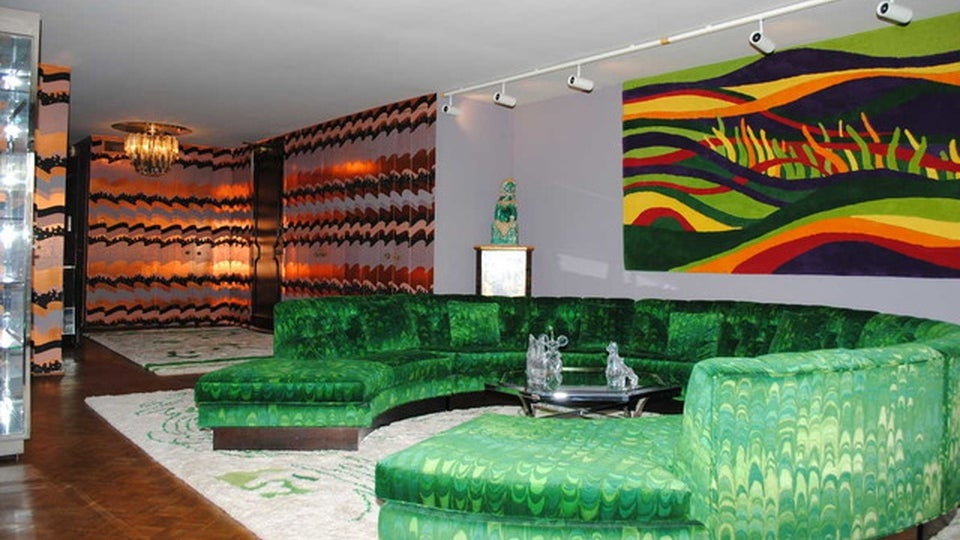 This Chic Penthouse That's Frozen in the 1970s Is Surprisingly Cheap