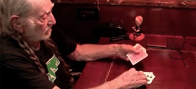 Willie Nelson tells a story using an awesome magic card trick