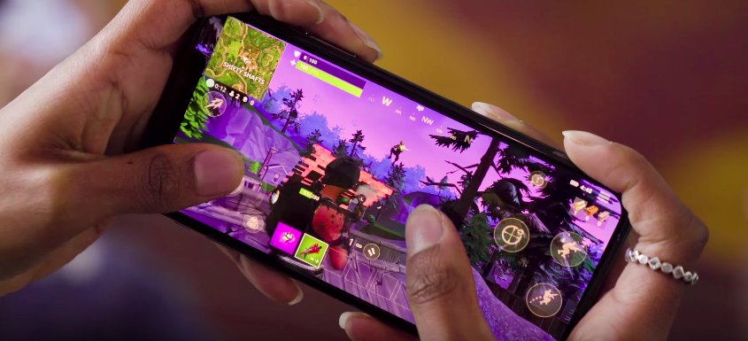 Fortnite On Mobile Is Tough, But It Works