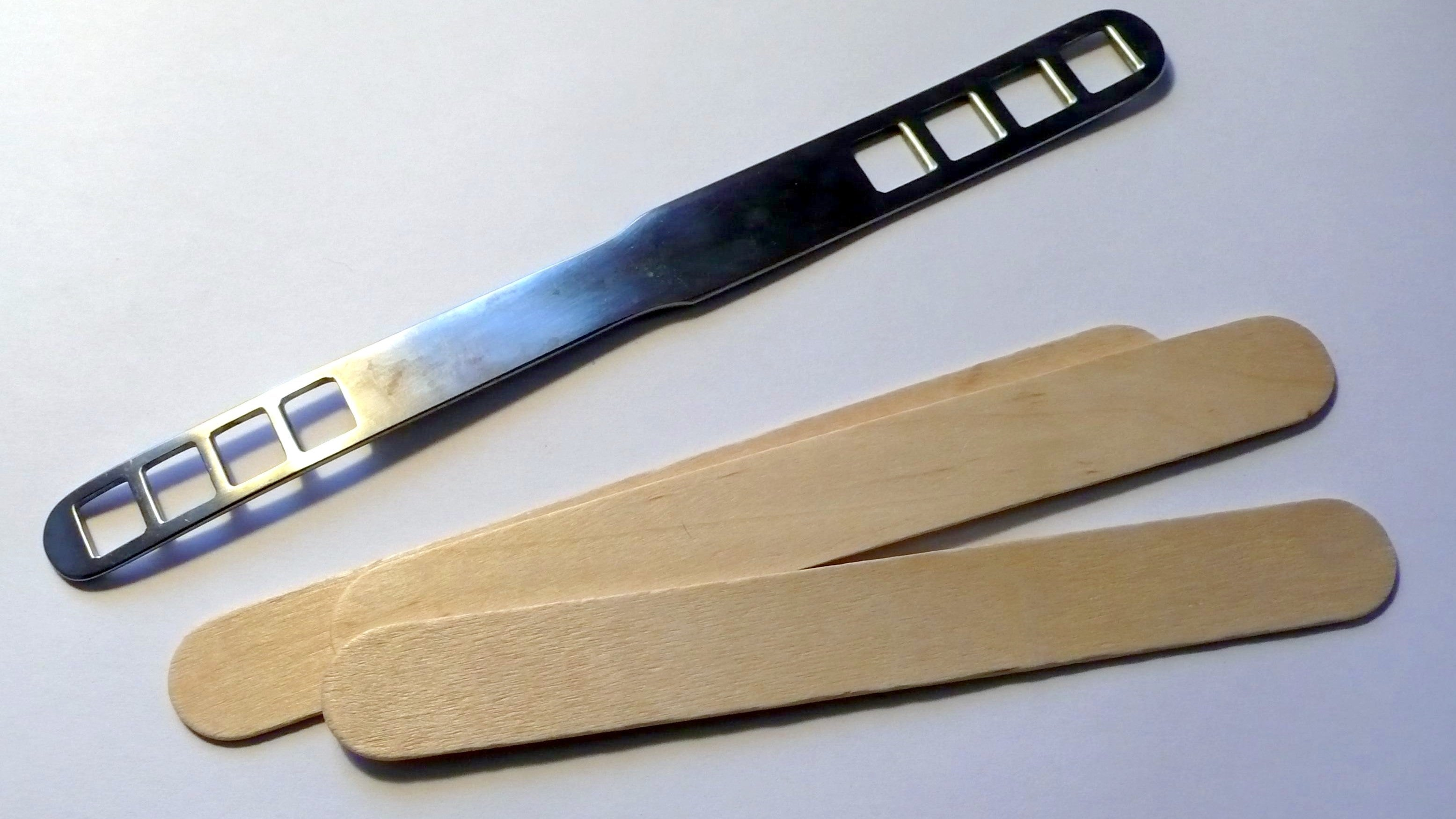 U.S. Woman Charged With Felony After Daughter Is Filmed Licking Tongue Depressor In Medical Centre