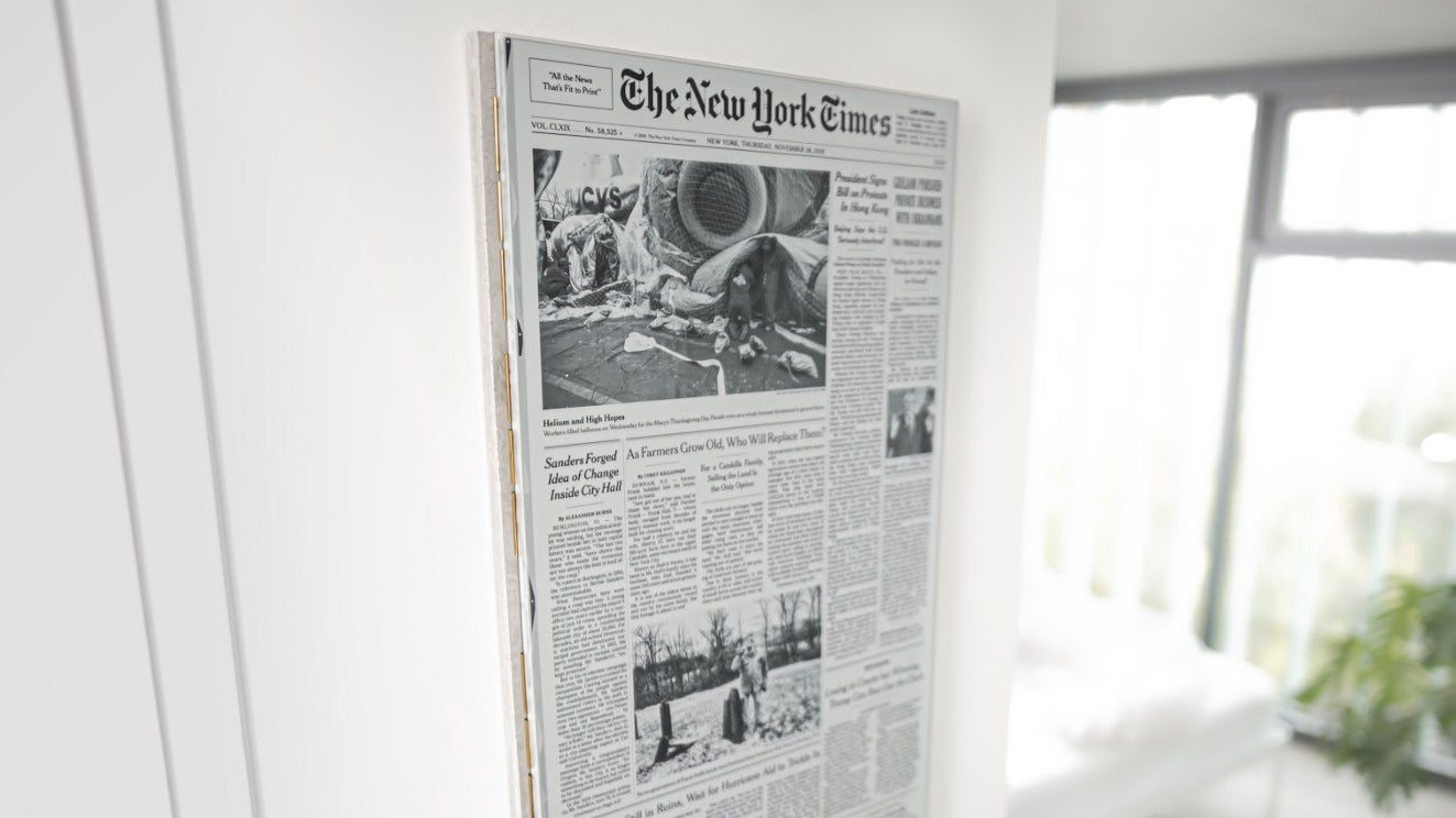 Giant E Ink Panel Turns Front Page Of The New York Times Into A Depressing Work Of Art Every Morning