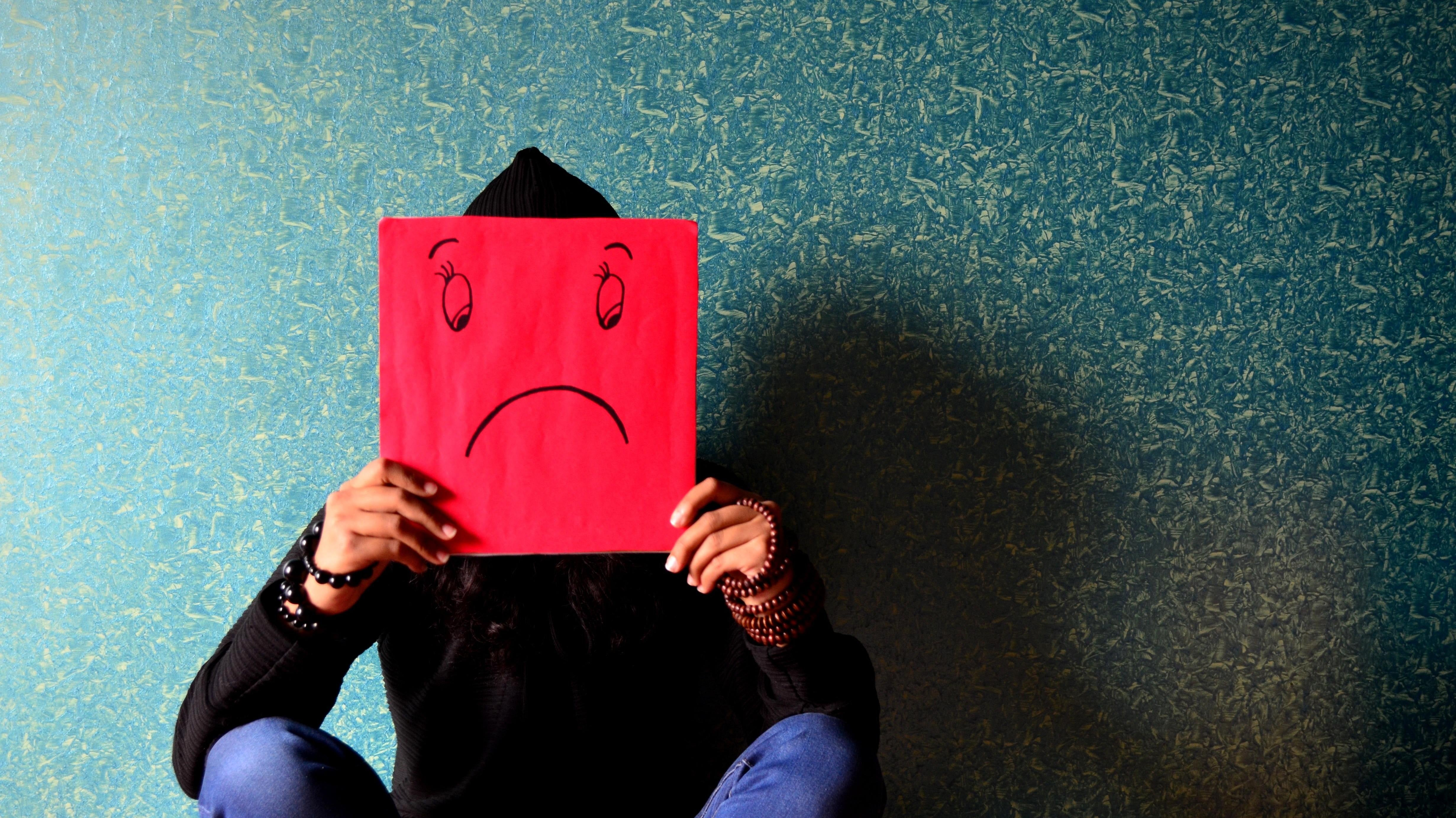How To Emotionally Detach From Criticism