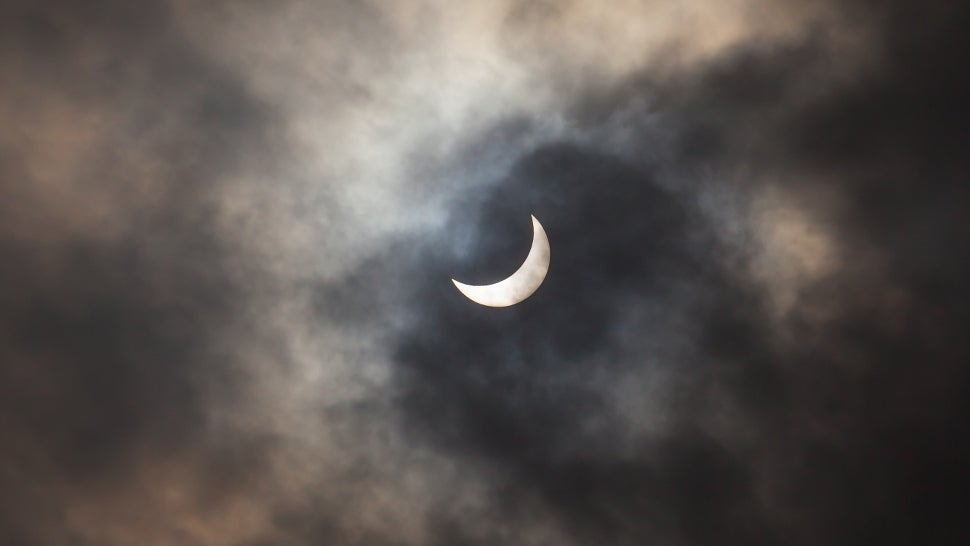 Alaska Airlines Will Adjust A Flight Plan So Passengers Can See Tomorrow's Eclipse