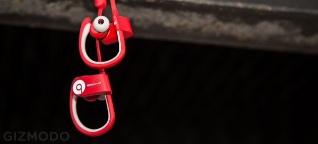 Beats Powerbeats2 Wireless: Pricey, Rugged Running Headphones