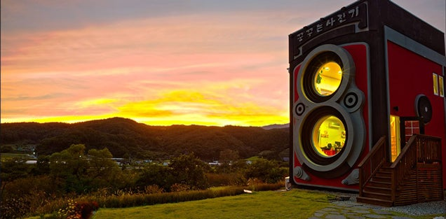 This Awesome Giant Camera May Look Fake, But It's Actually A Café