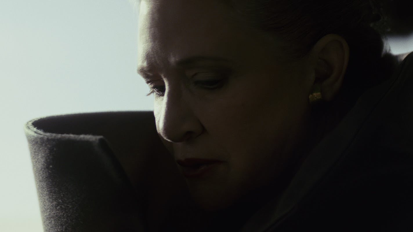 Rian Johnson Explains Leia's Big Last Jedi Move Again For Fans Who Are Having Trouble Accepting It