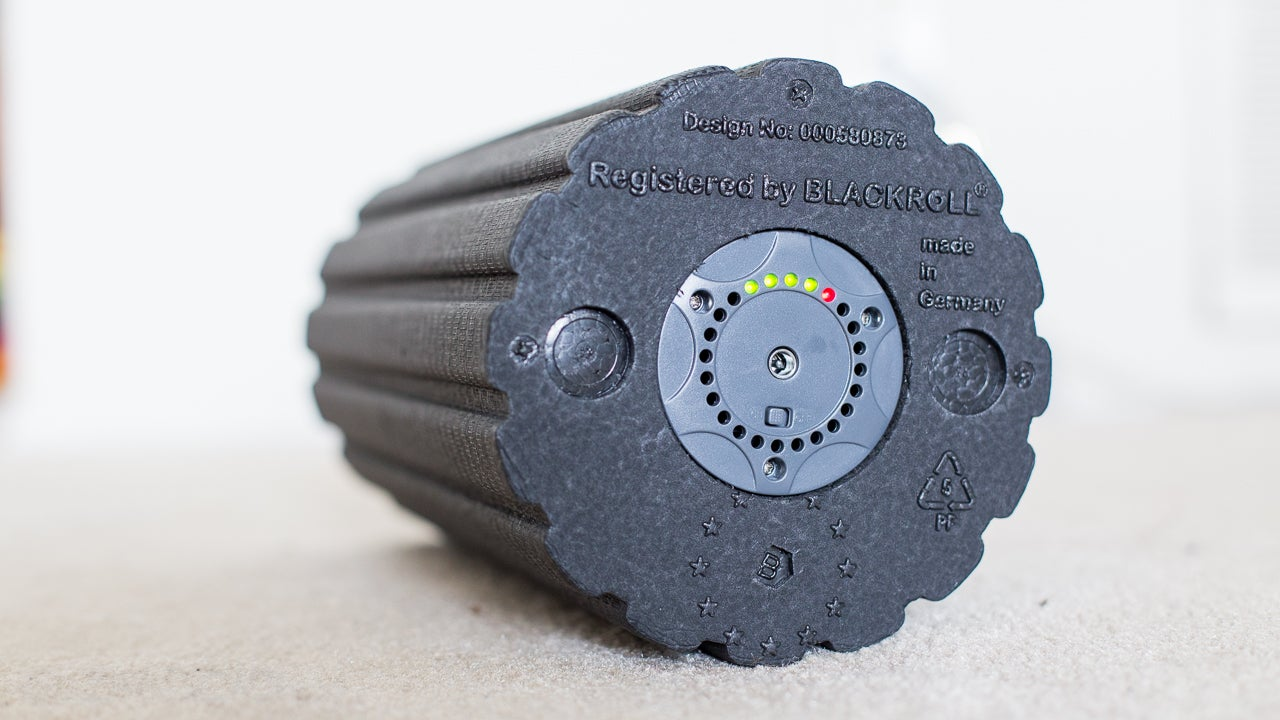 The Vyper Hands-On: This Vibrating Foam Roller Is Freaking Incredible