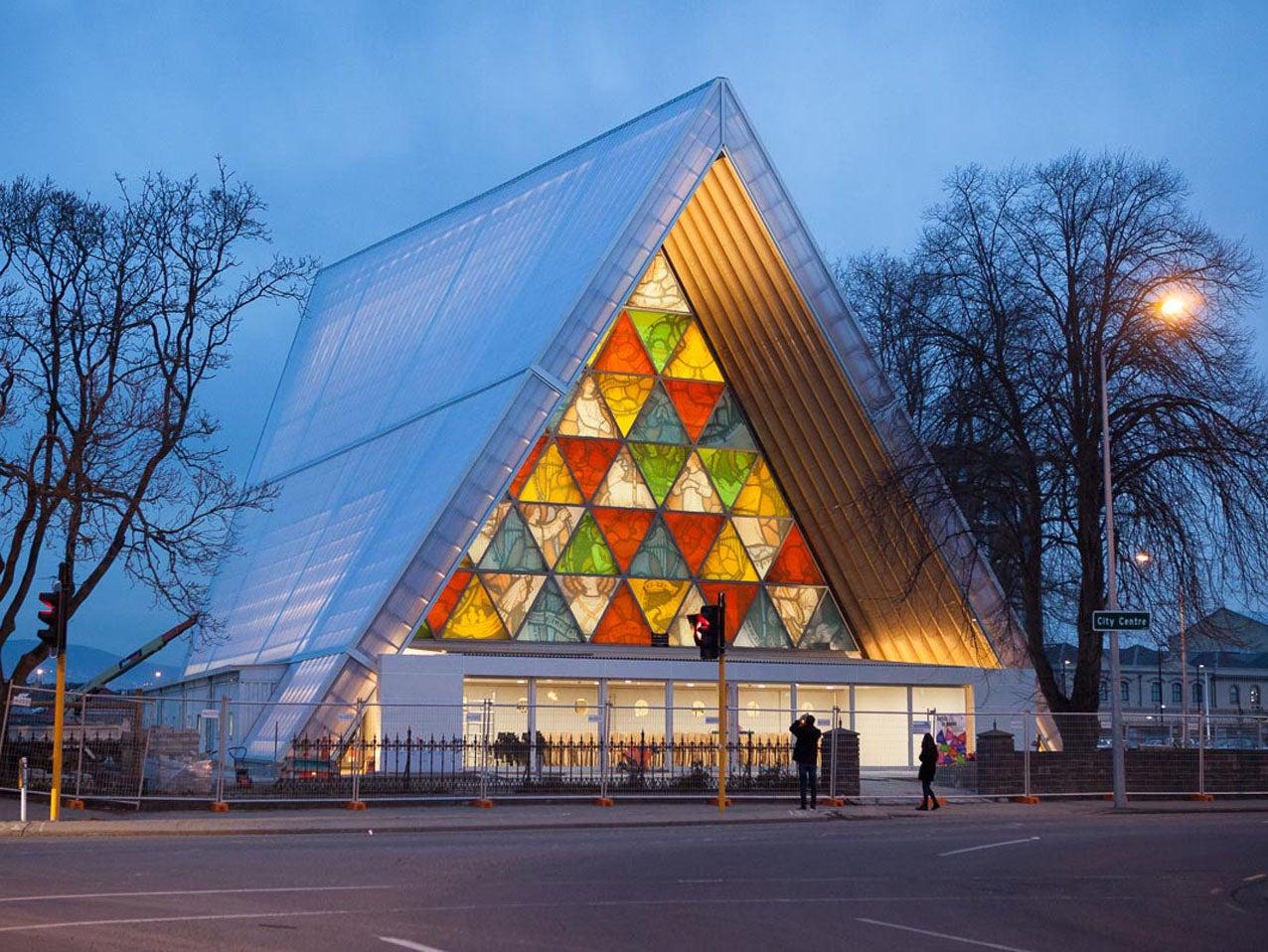 shigeru ban wins the pritzker prize architecture 39 s highest honour gizmodo australia. Black Bedroom Furniture Sets. Home Design Ideas