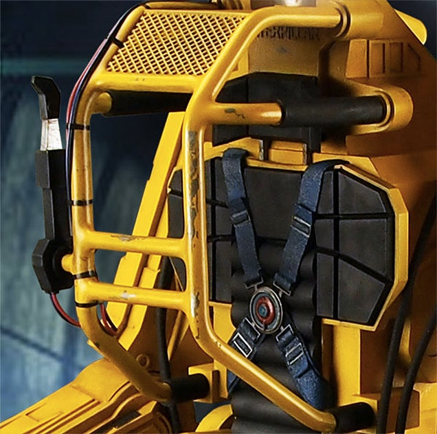 You'll Desperately Want To Climb Inside This Aliens Power Loader Figure