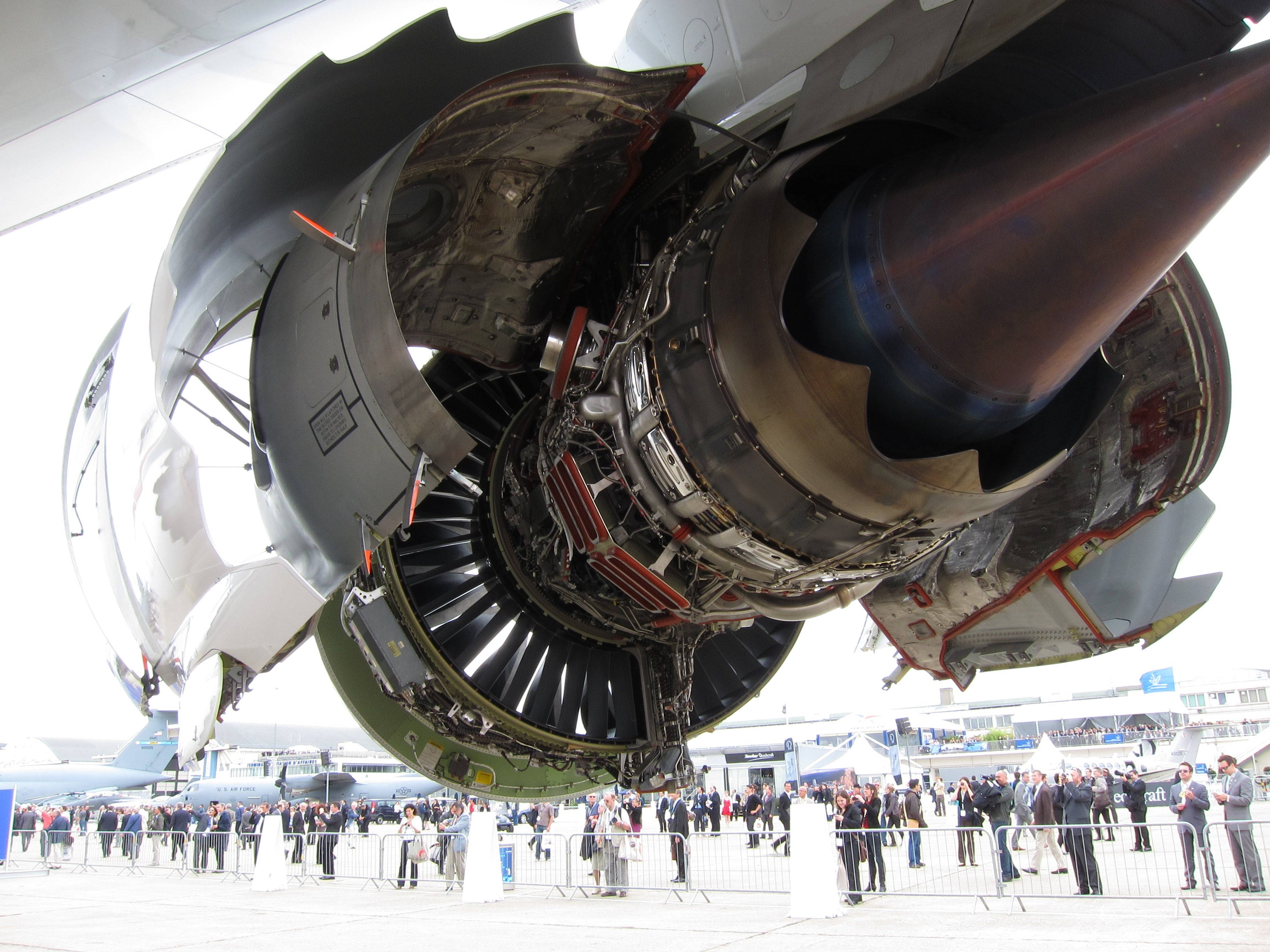 Cool photos of jet engines with their shell open