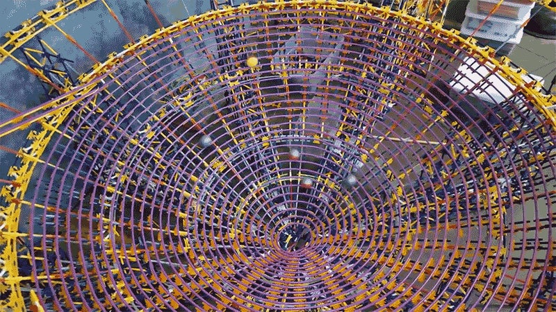 The World's Largest K'NEX Ball Contraption Was Built From Over 126,000 Pieces