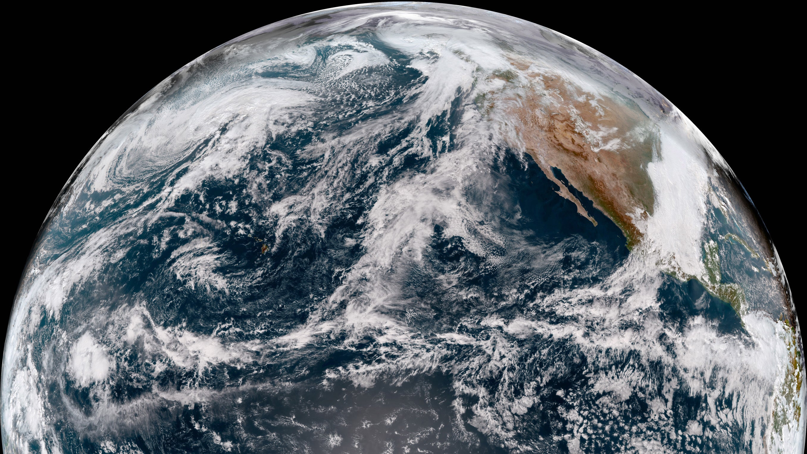 NOAA's New Pacific Satellite Has Sent Back Its First Glorious Images Of Alaska And Hawaii