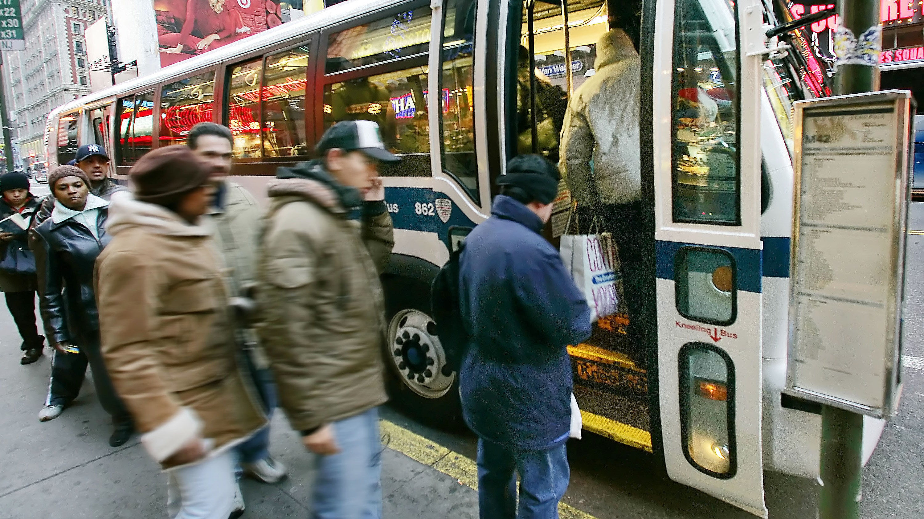 Google Maps Will Now Predict How Crowded Buses And Trains Are