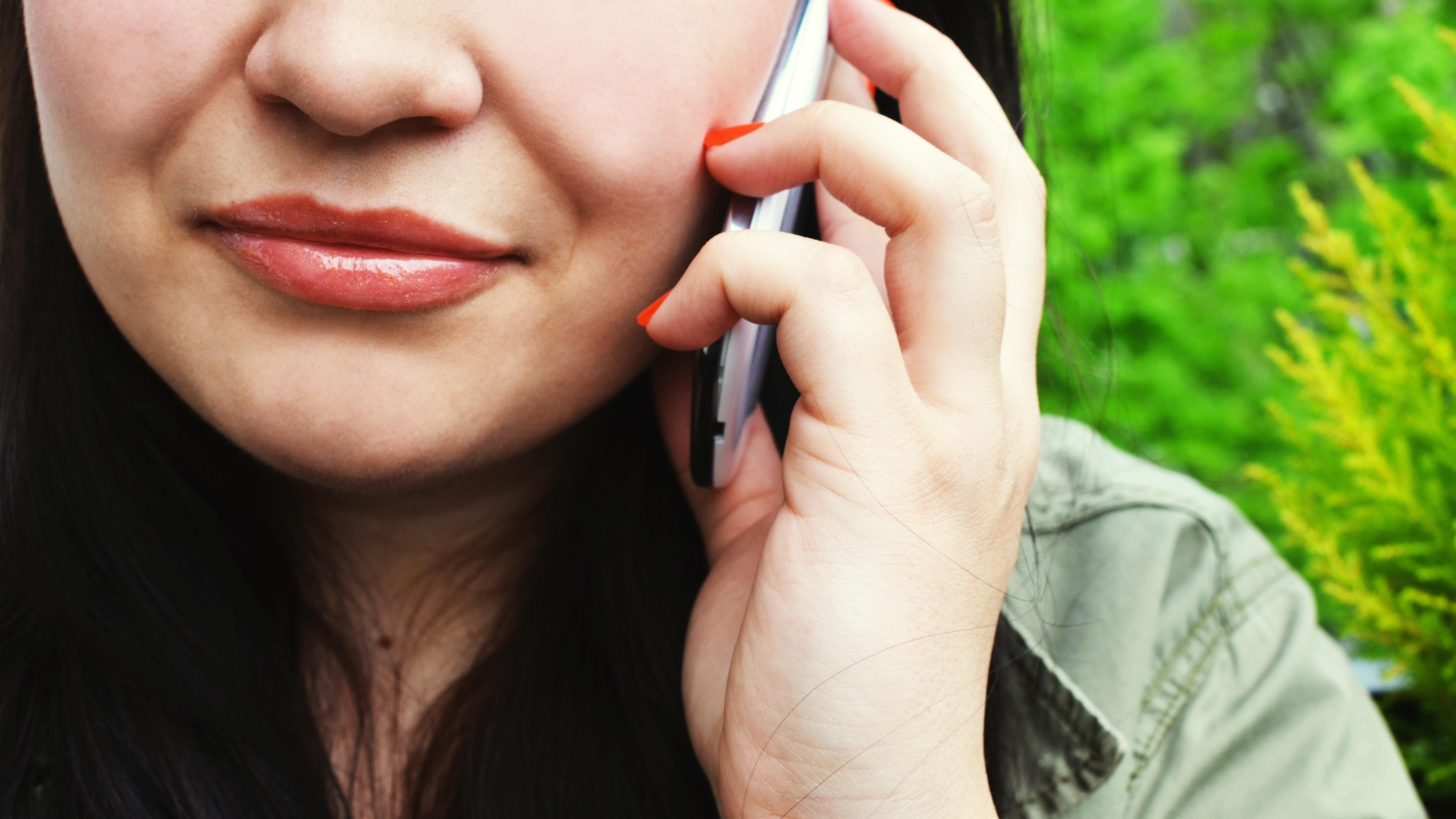 How To Make Phone Calls Over Wi-Fi With Google Voice