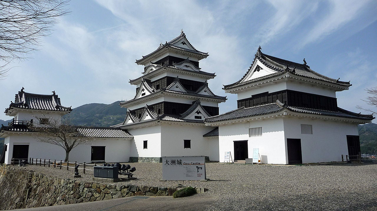 Stay In A Japanese Castle For Only $13,199 A Night