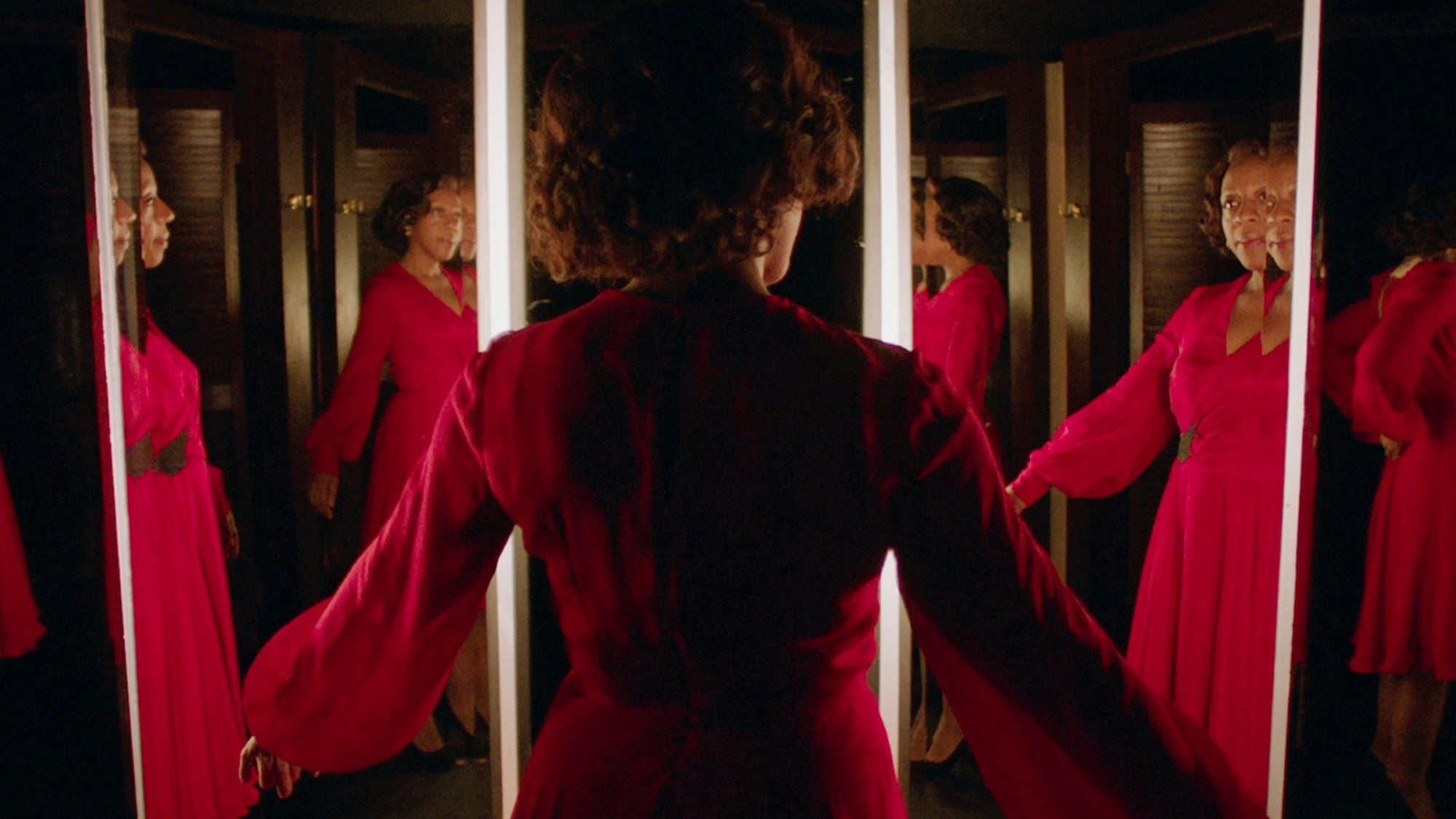 Watch In Fabric's First Dizzying Trailer, Where Serving Looks Kills