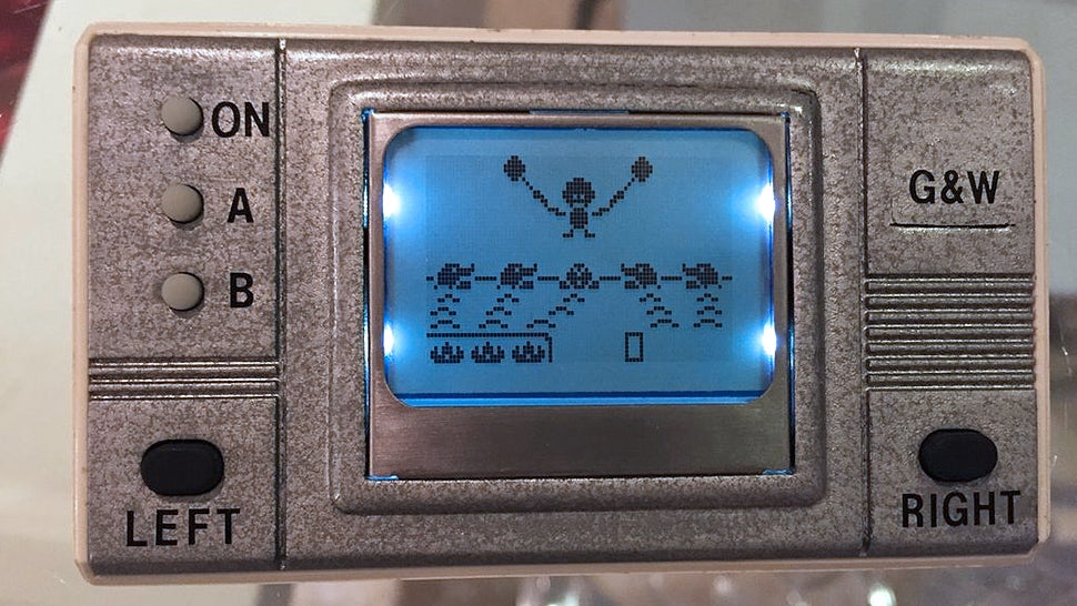 A DIY Classic Game & Watch Handheld Made With an Old Nokia Mobile phone