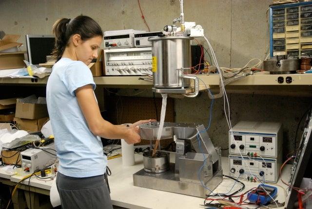 The Futuristic Liquid Nitrogen Machine That Makes Ice Cream To Order