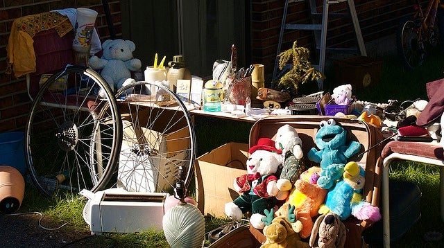 Make More Money at Garage Sales by Not Pricing Items