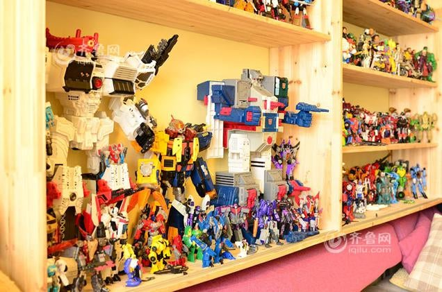 Man in China Has Spent $US32,000 Collecting Transformers
