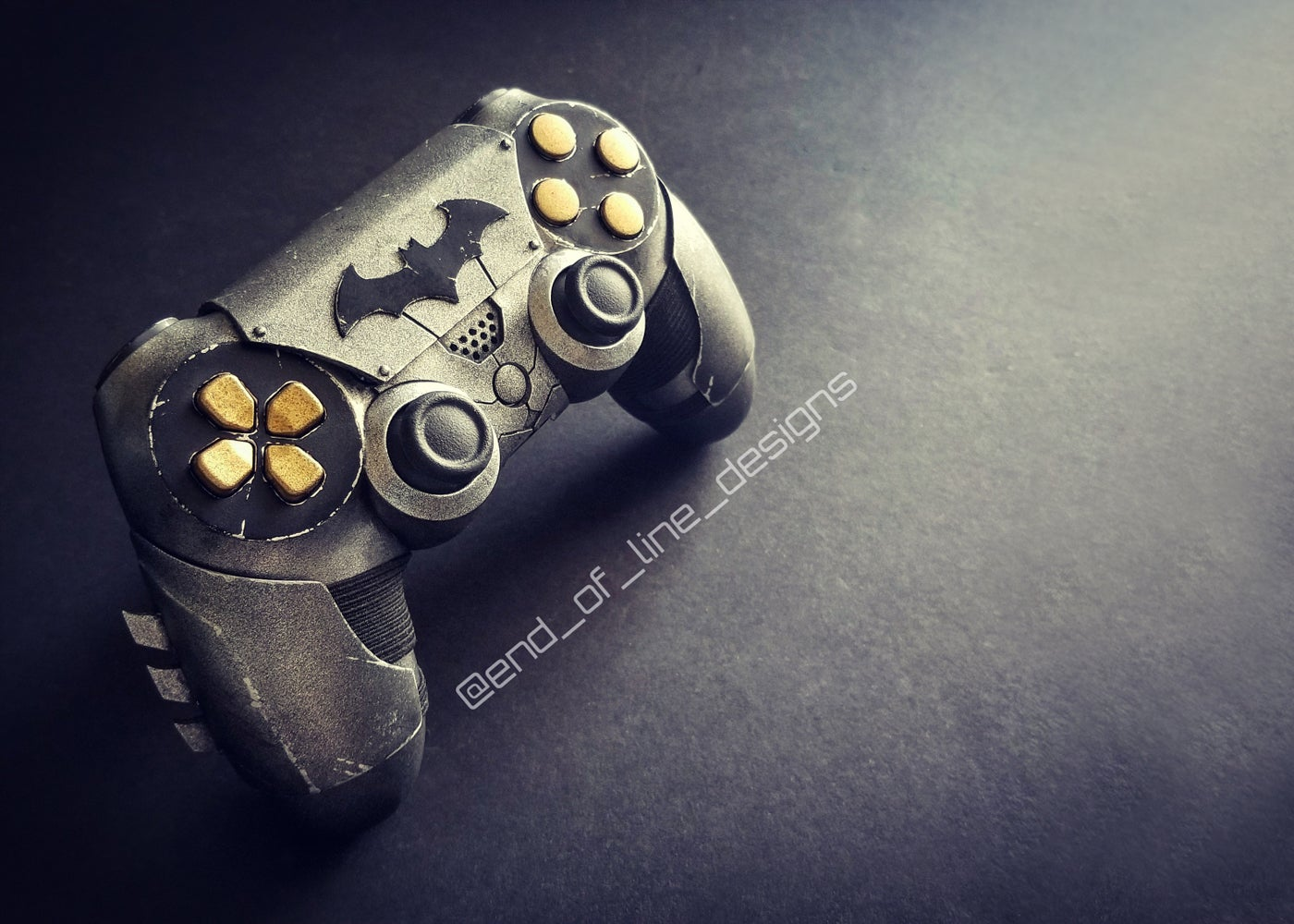 Batman PS4 Controller Knows Where The Trigger Is