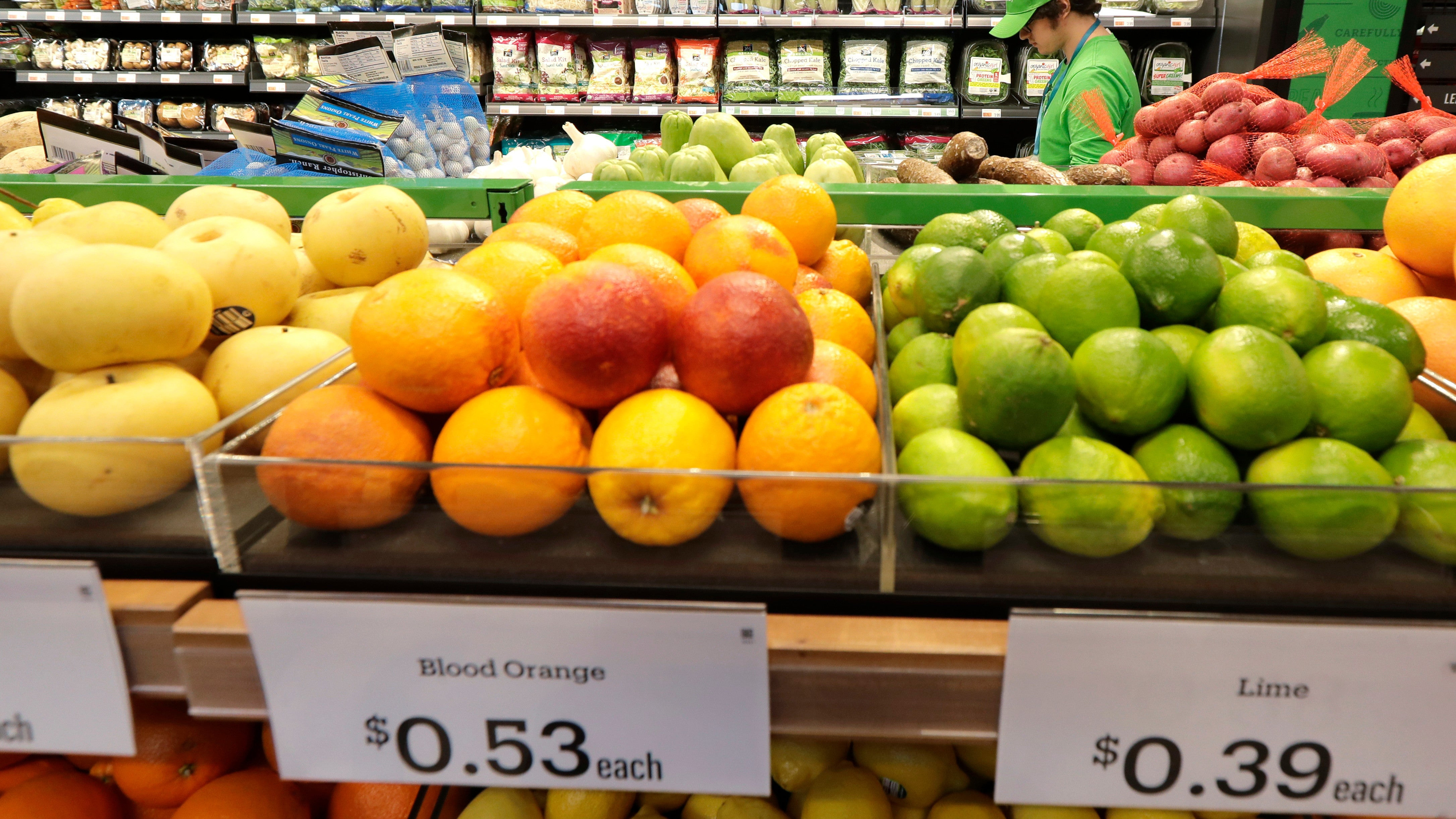 Food Workers Union Takes Aim At Amazon's New Cashierless Grocery Store