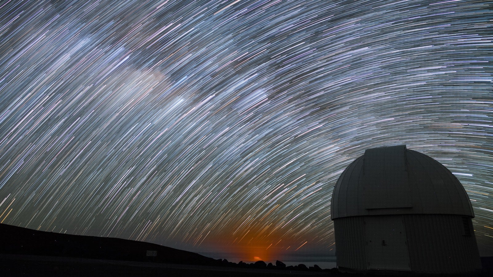 Check Out This Mesmerising Timelapse Of The Night Sky Above Hawaii