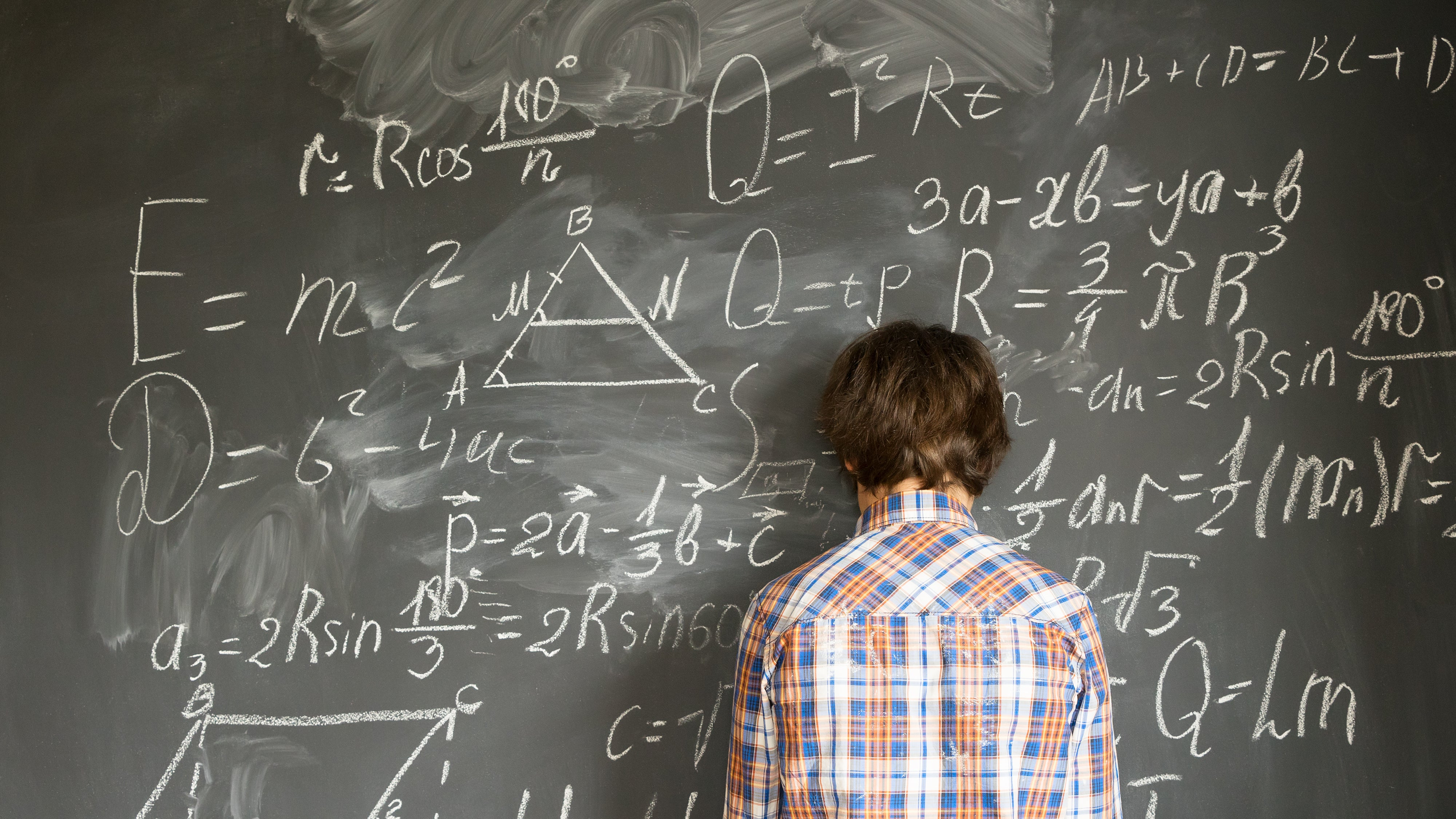 Have Maths Anxiety? Here's How To Not Pass It Down To Your Kid