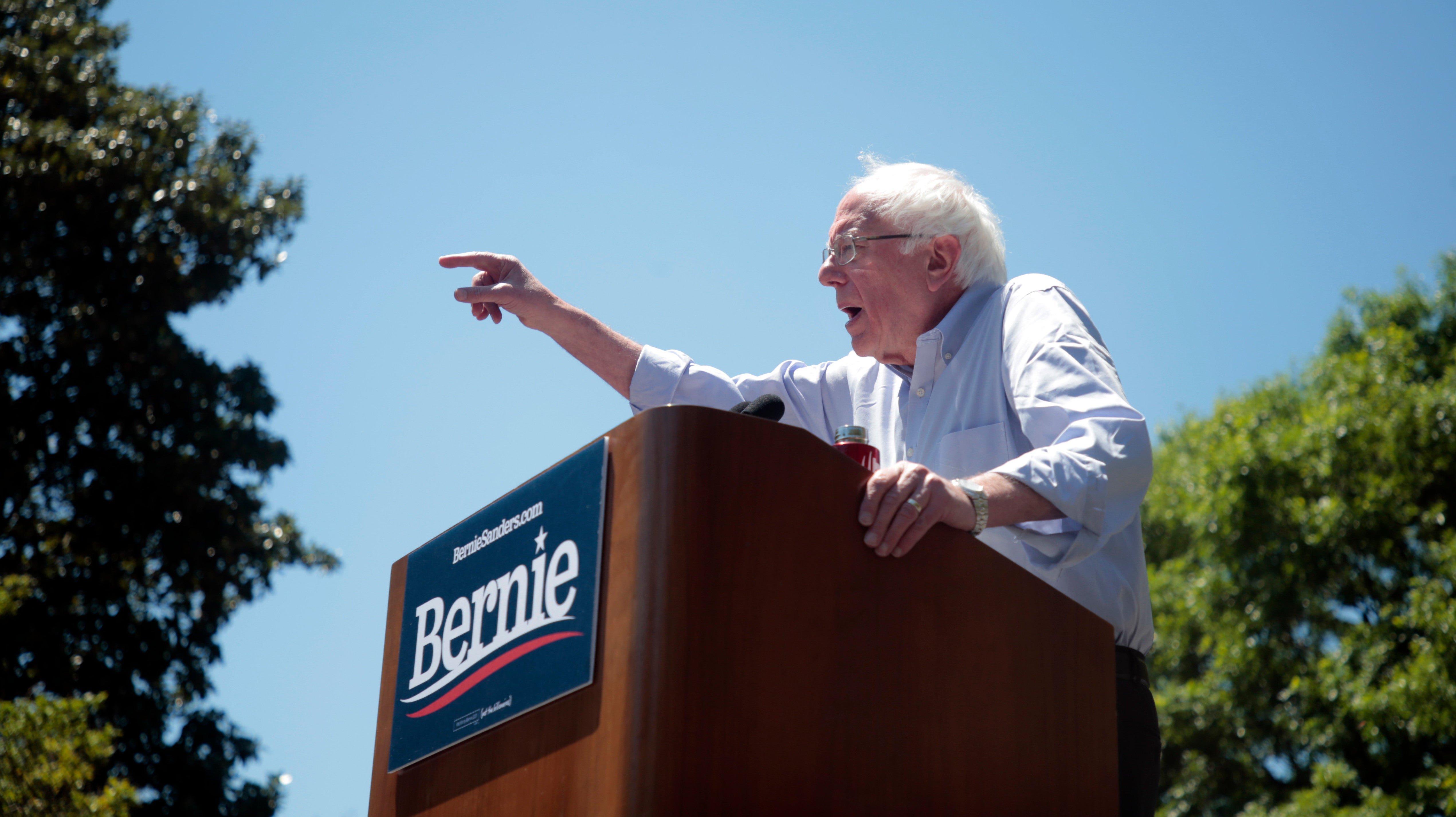 Hell Yeah, Bernie Sanders Just Endorsed A National Right-to-Repair Law For Farmers