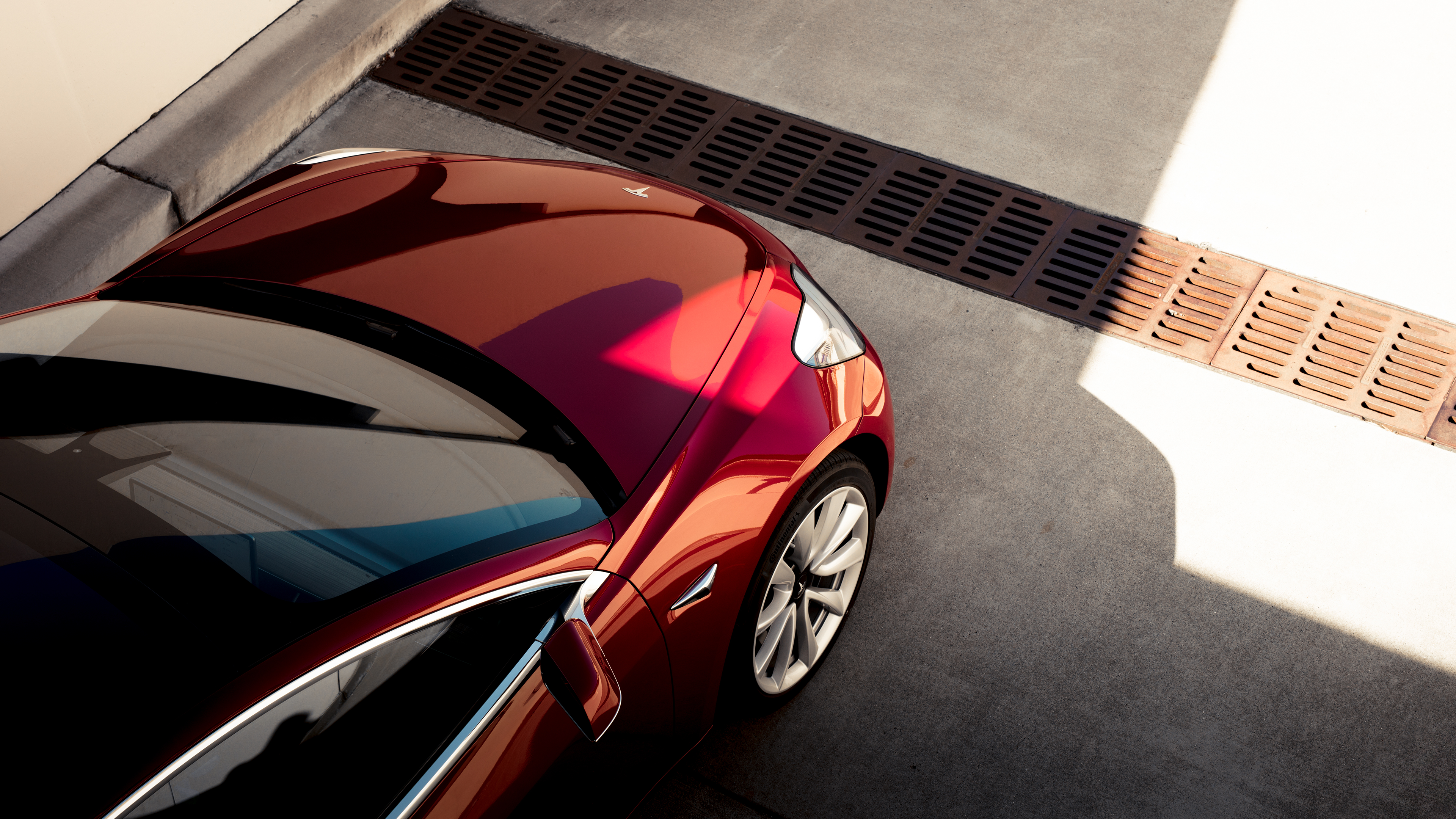 Don't Expect A Performance Trim Tesla Model 3 Until The Middle Of Next Year
