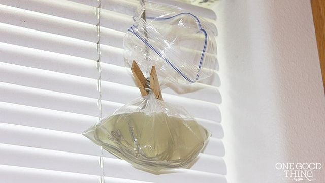 Clean Window Blind Cords With a Liquid Pack