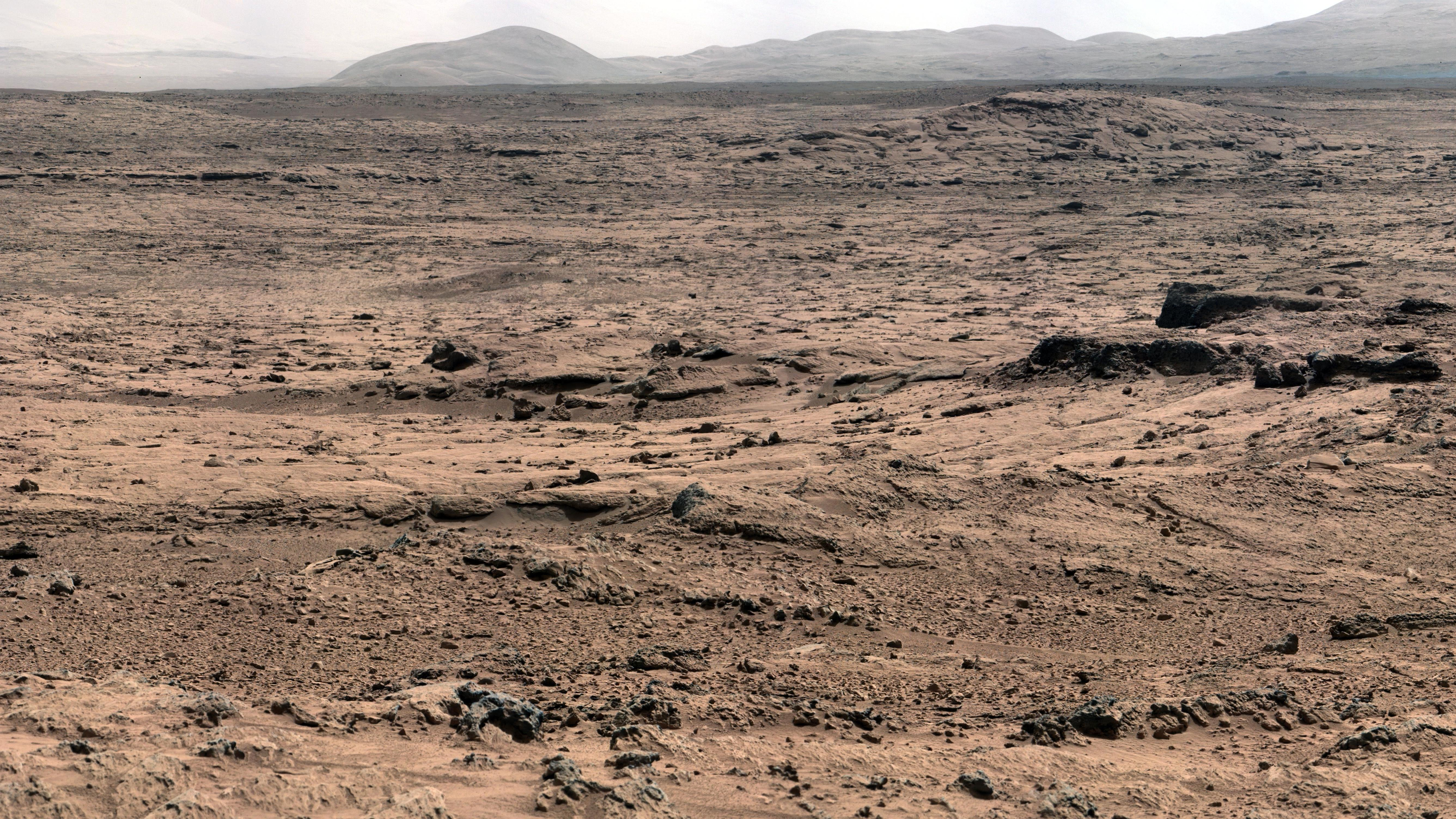 Curiosity Finds Mysterious Oxygen Fluctuations On Mars