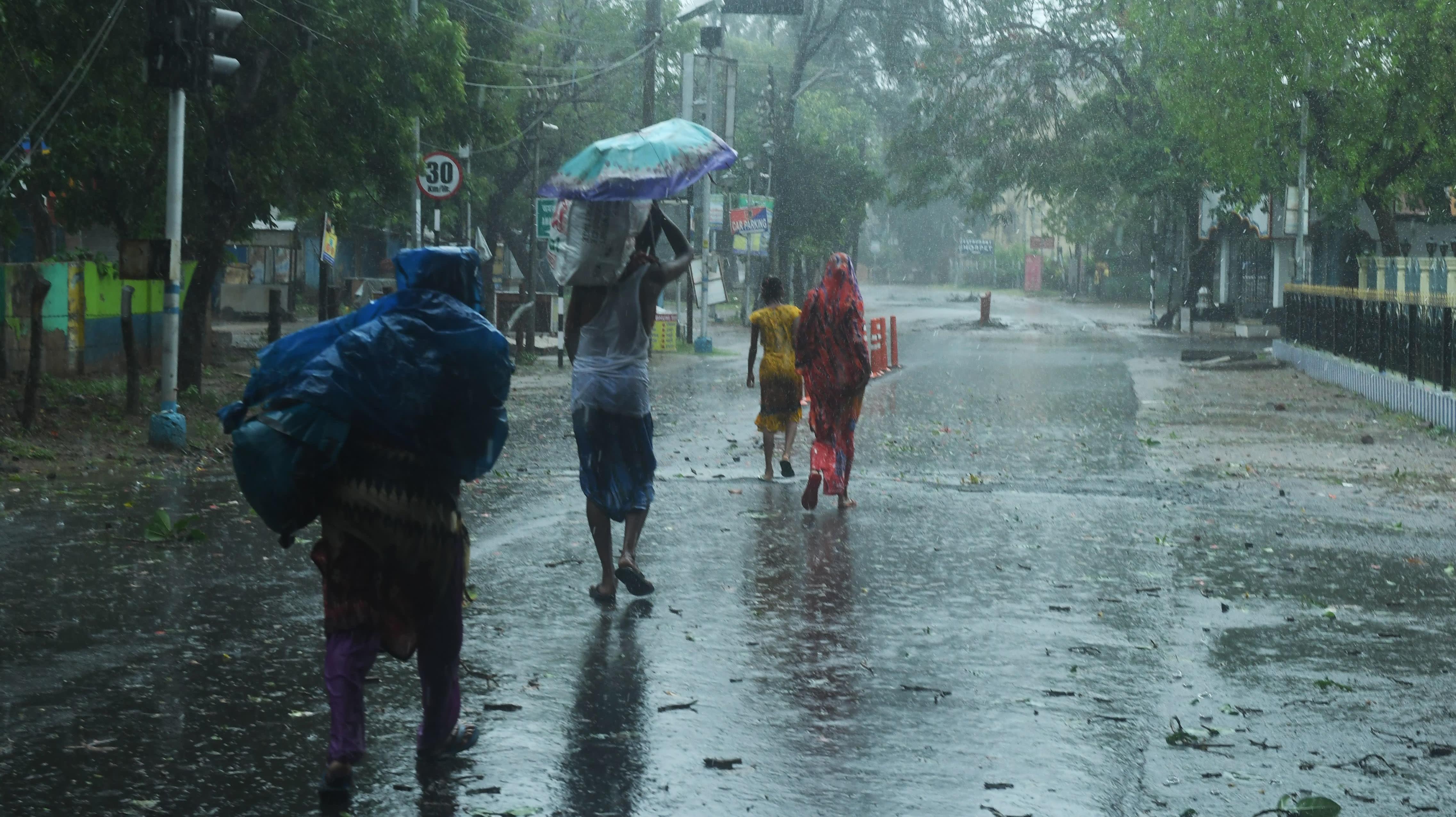 Cyclone Amphan Slams Into India's Coast Amid Coronavirus Pandemic