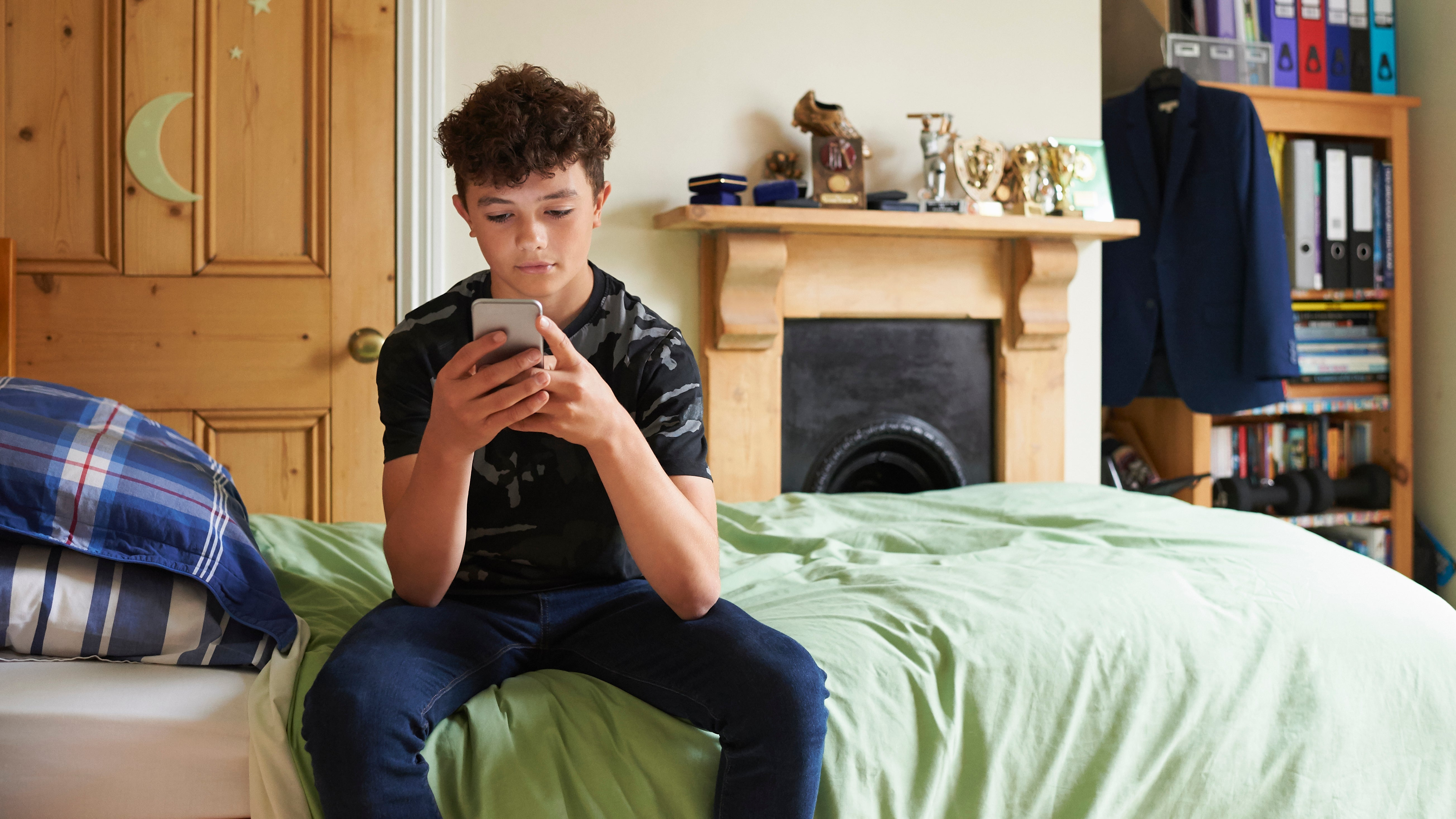 To Get Through To Your Teens, Text Them