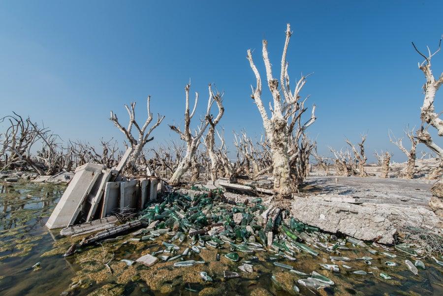 This Ghostly Town Spent 25 Years Underwater Before Resurfacing