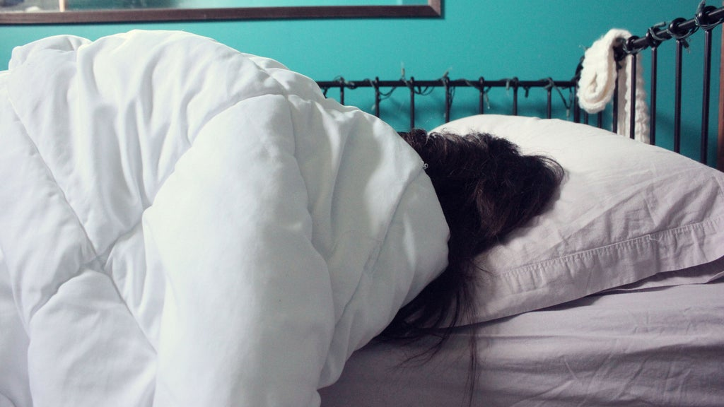 Make a 'Shutdown Ritual' So You Can Actually Relax At Night