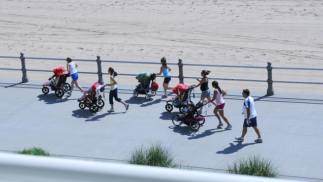 Make Running with a Jogging Stroller Less of a Hassle with These Tips