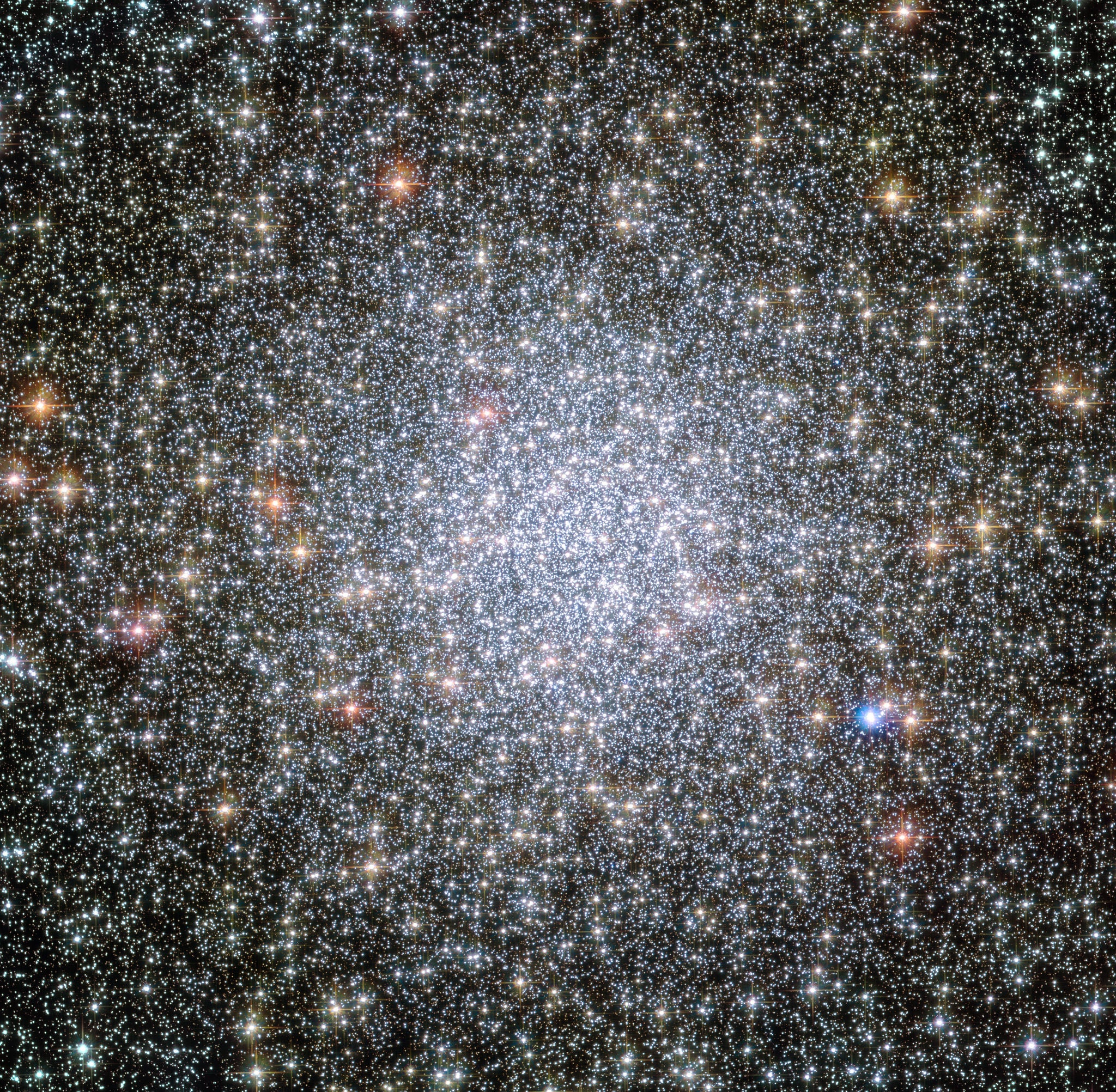 Beautiful photo shows white dwarf stars moving away from a star cluster