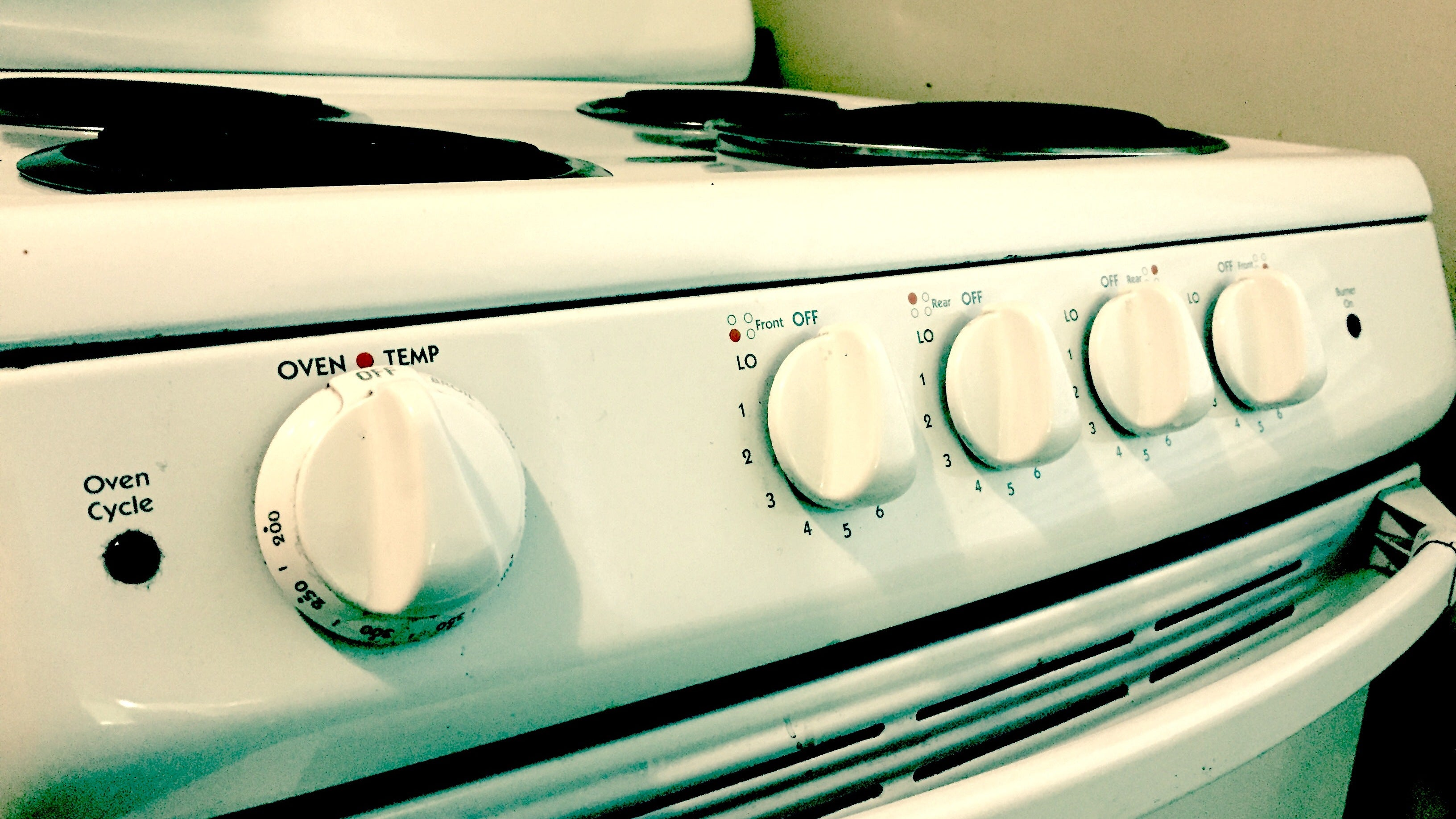Take Photos Of Stove Dials Before You Leave For A Holiday