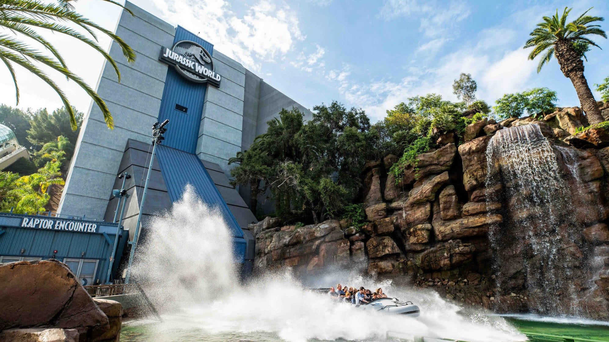 The New Jurassic World Ride Accentuates What's Good About The New Movies