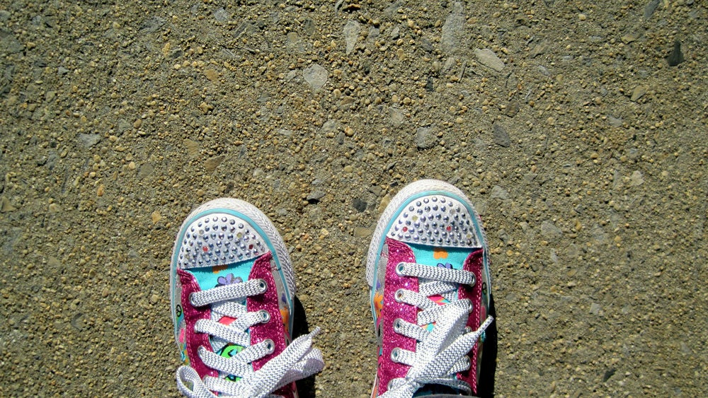 Try This Method To Easily Teach Your Kids To Tie Their Shoes