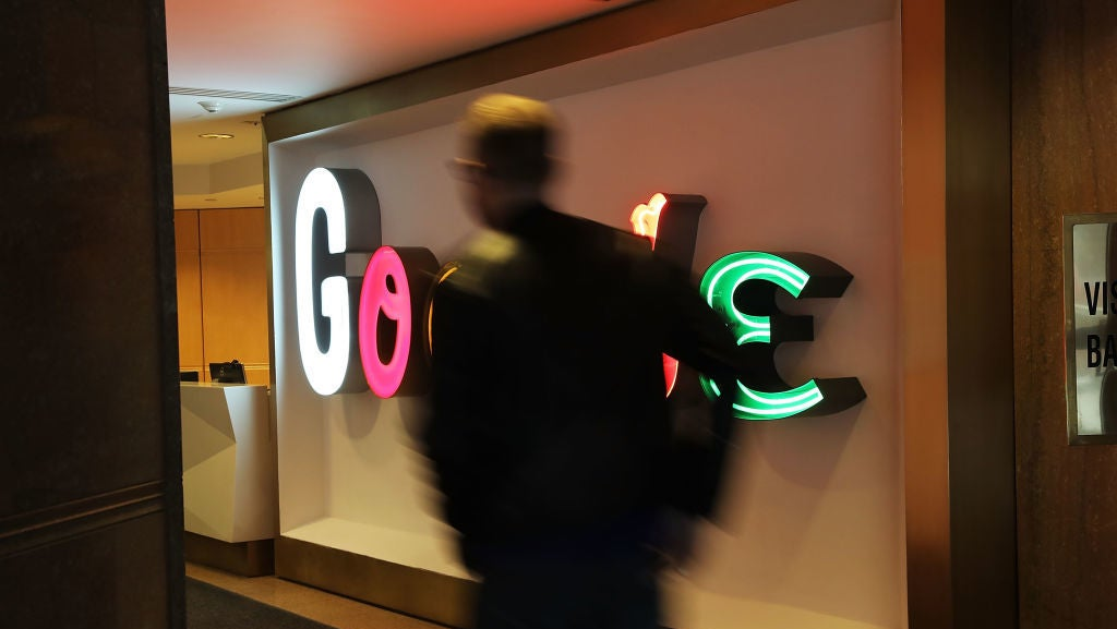 Google's Most Advanced Security Features Now Work With Apple's Built-In iOS Apps