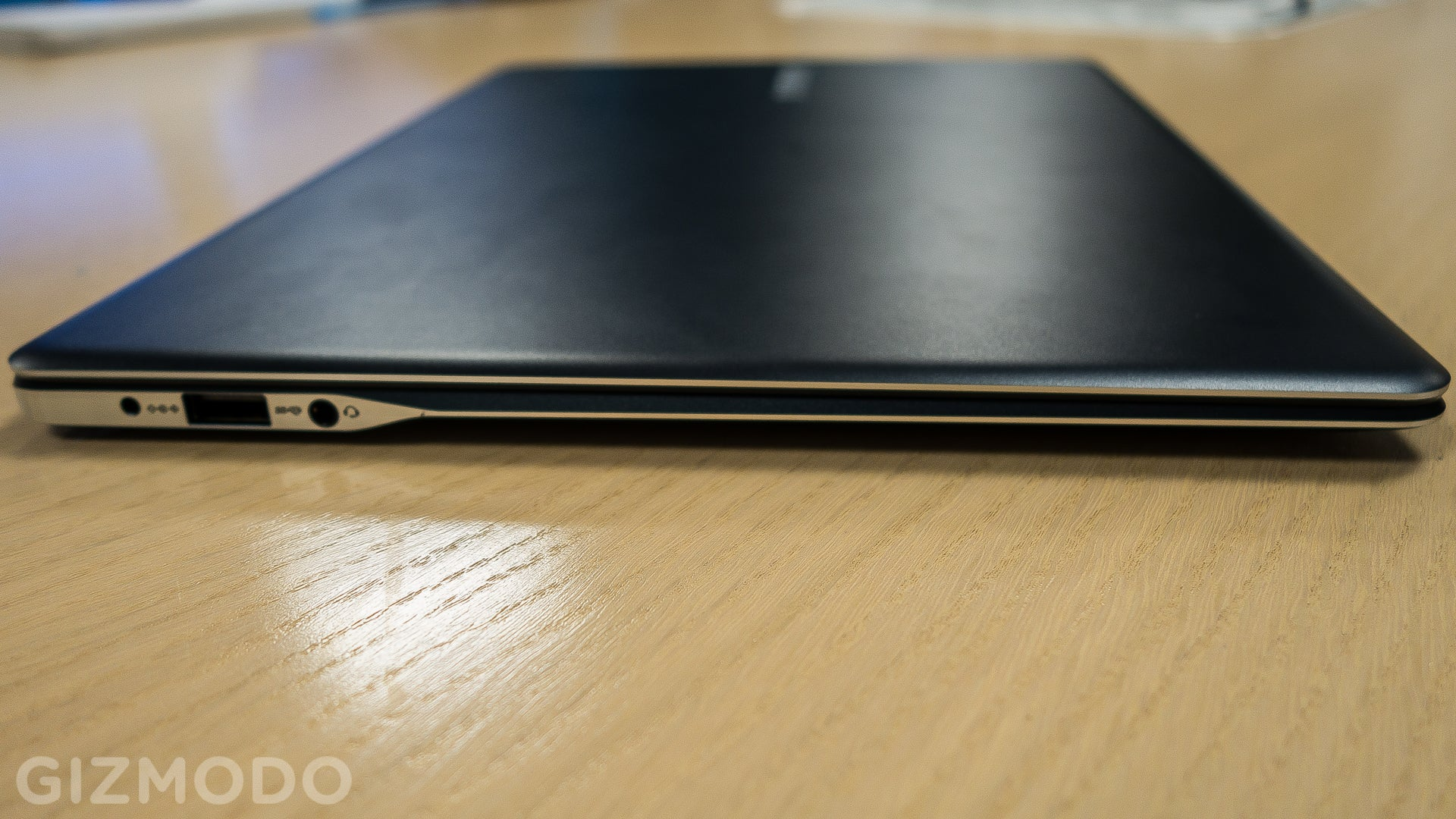 Samsung ATIV Book 9 2015: Slim, Slick, Lighter Than a MacBook Air