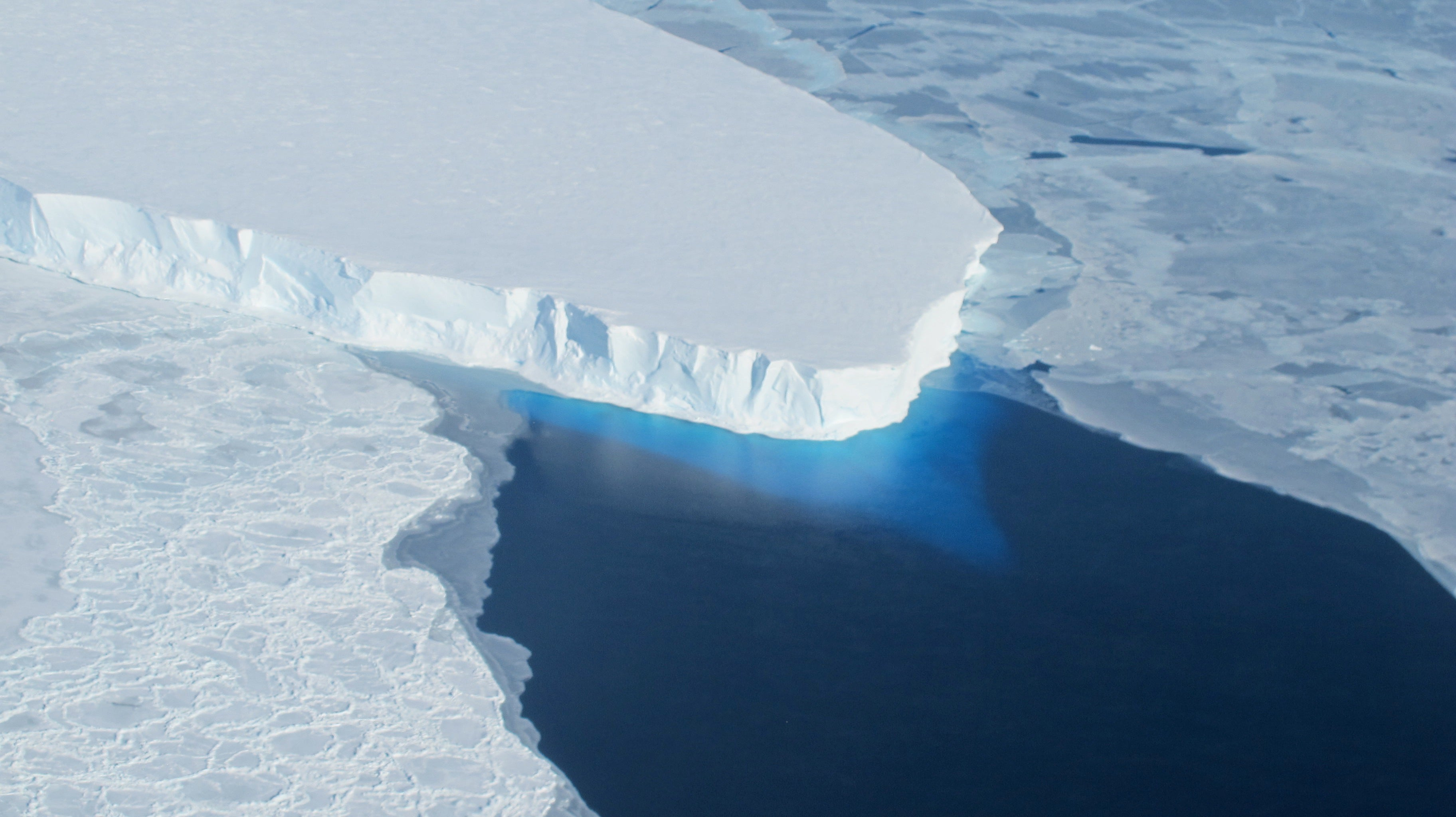 There's A Huge Cavity Under Antarctica's Most Endangered Glacier