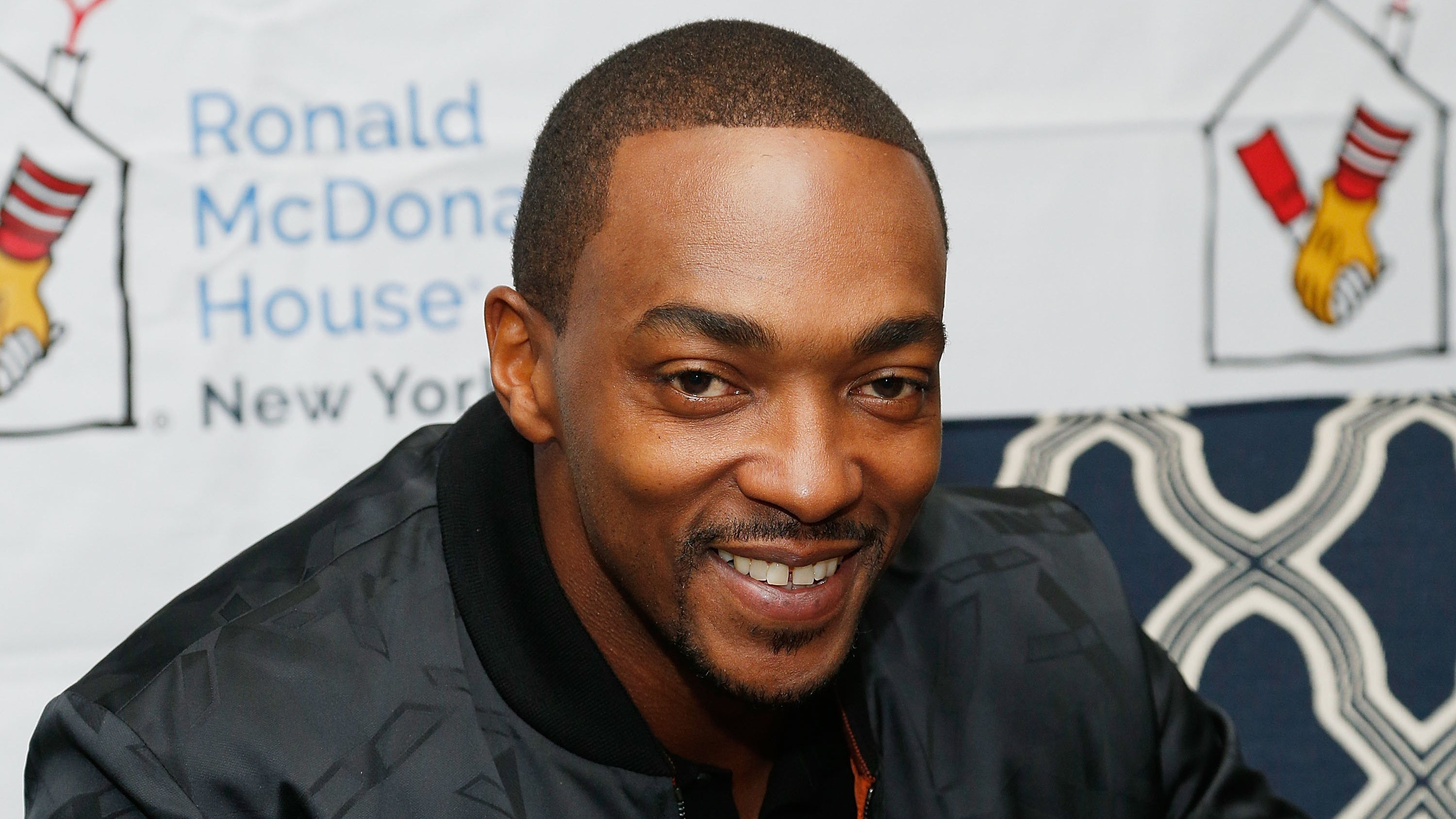 Anthony Mackie Is Altered Carbon's New Leading Man For TheNewly Announced Season 2