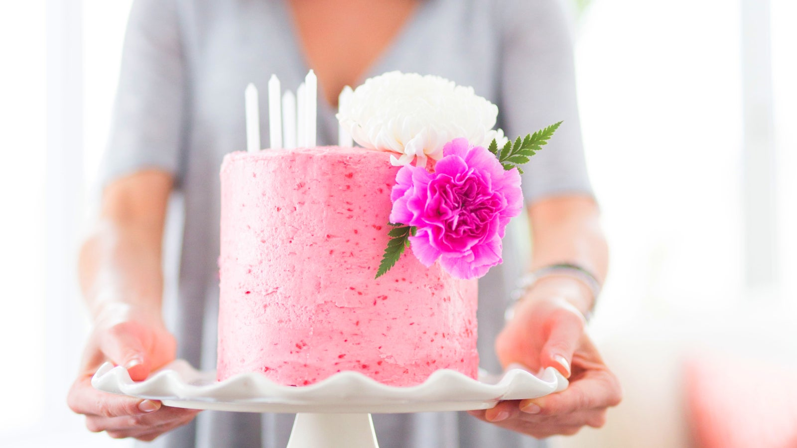 Use Freeze-Dried Fruit To Colour Your Icing