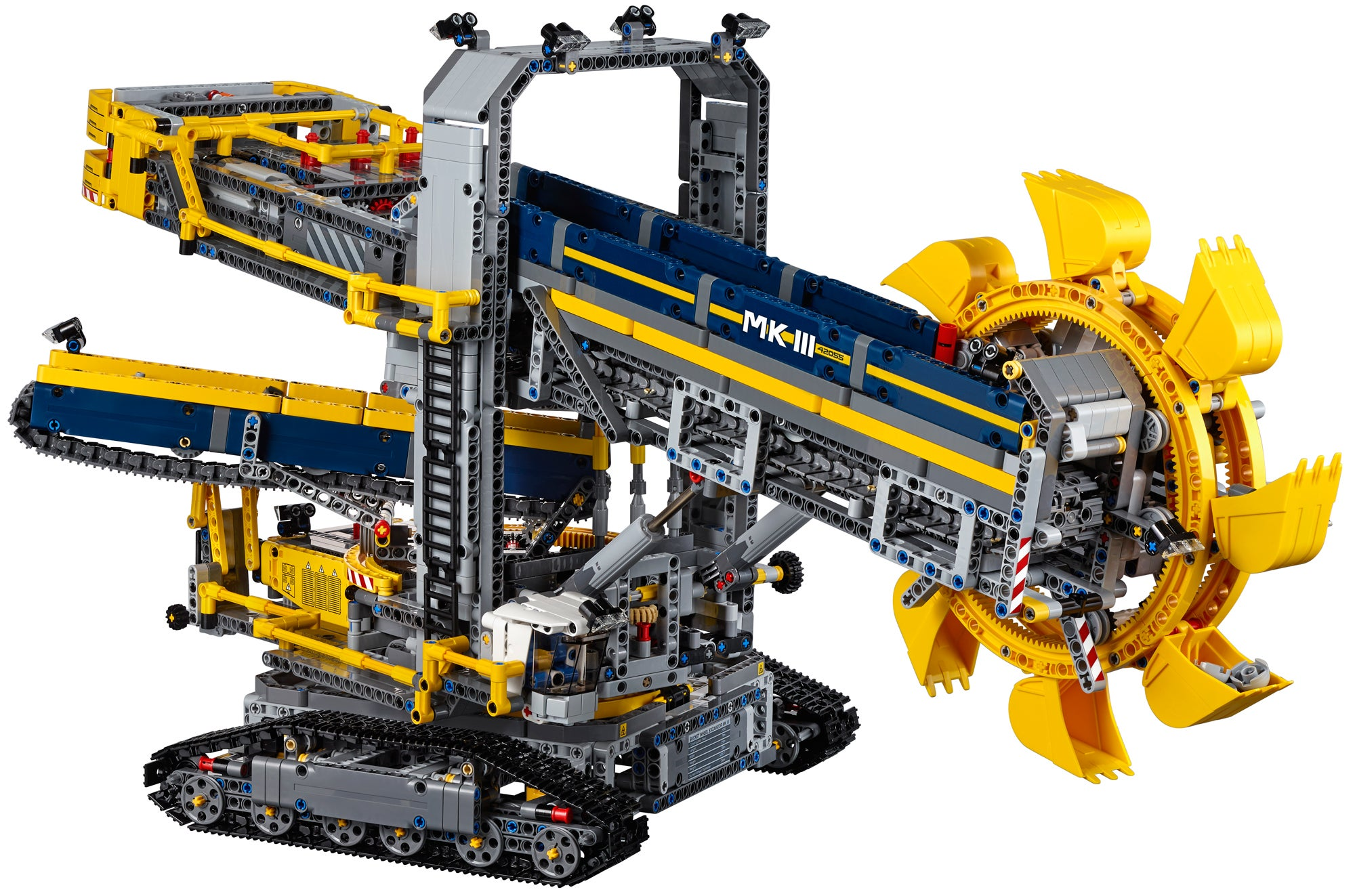 Building Lego's Gigantic Motorised Excavator Is Easily My Greatest Accomplishment