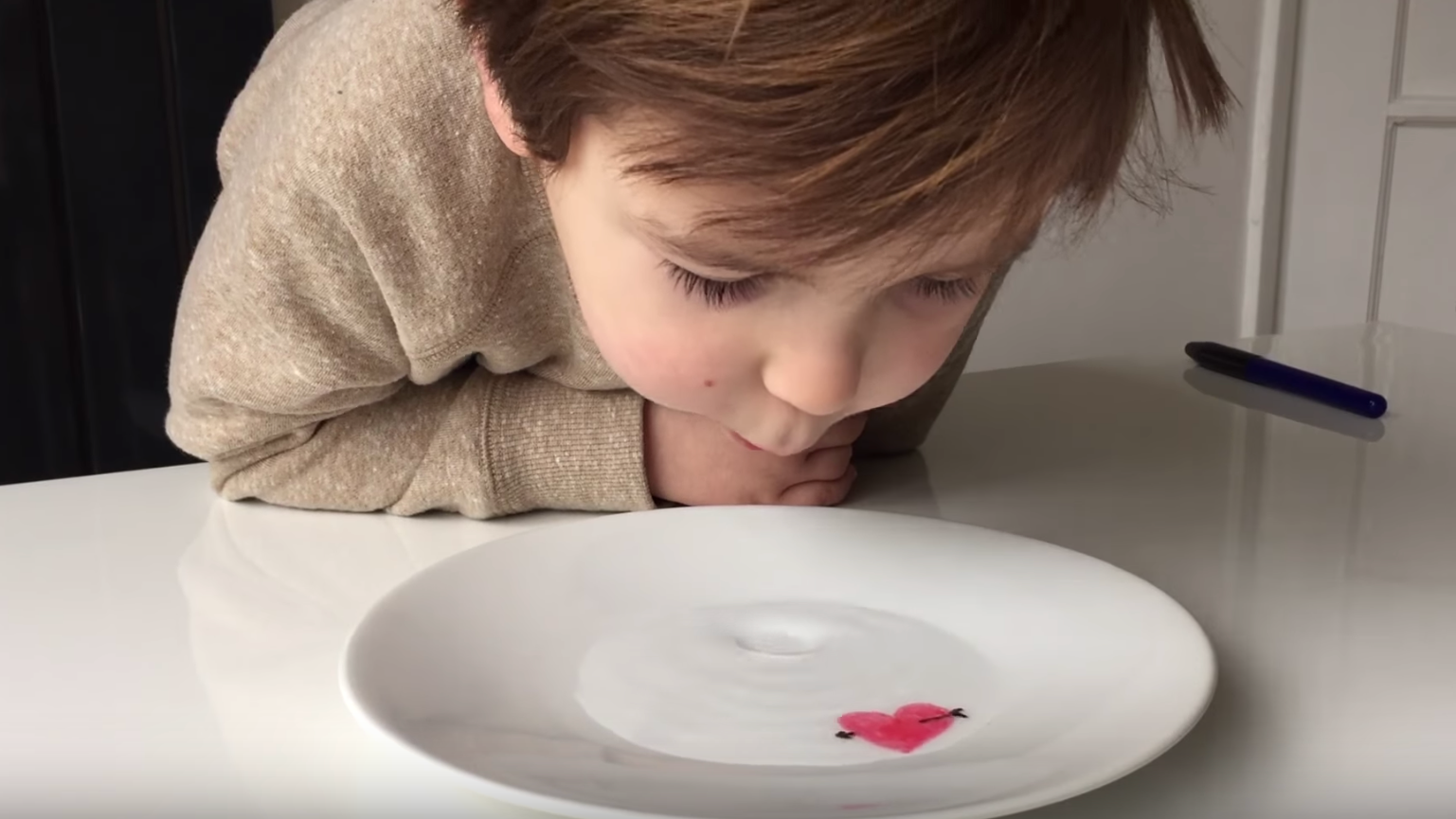 Make 'Floating Pictures' With Your Kid