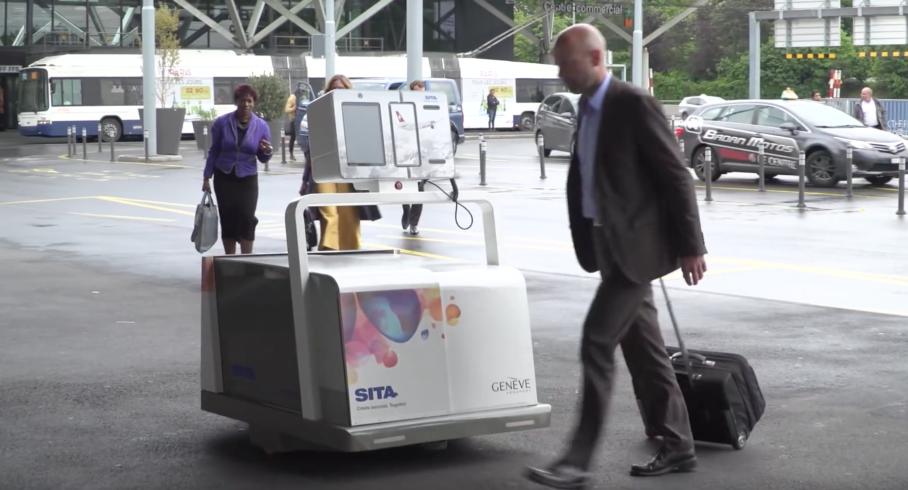 This Robot Luggage Handler Will Give You Even More Time To Stand In A Check-In Line